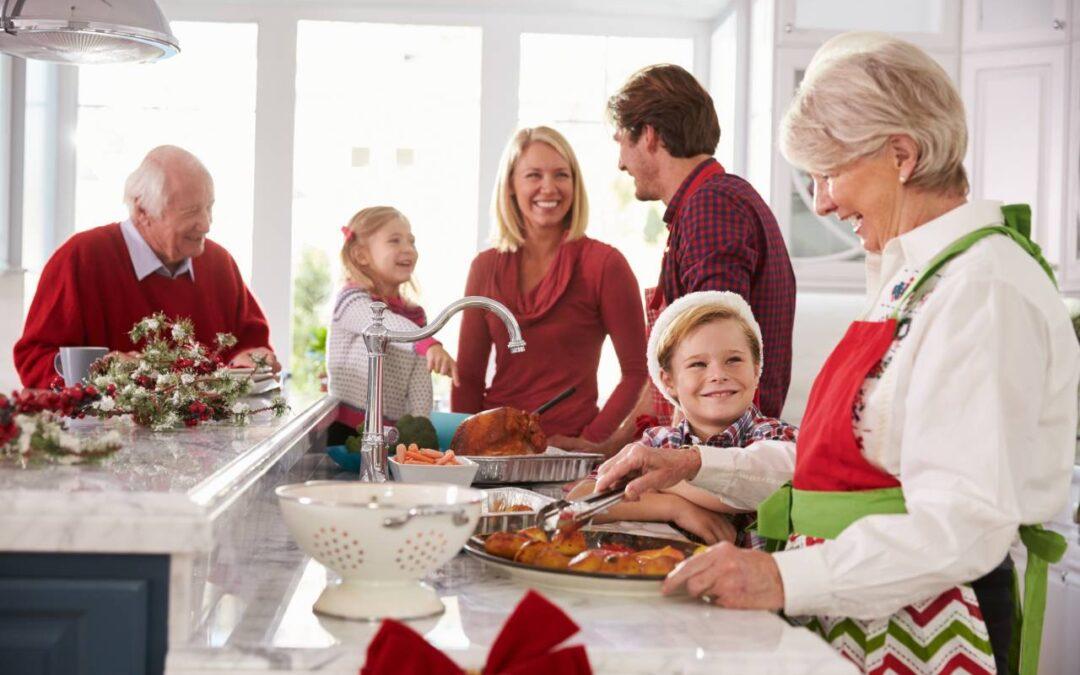 3 moduri în care să-i dezvolți copilului abilitățile de comunicare în perioada sărbătorilor