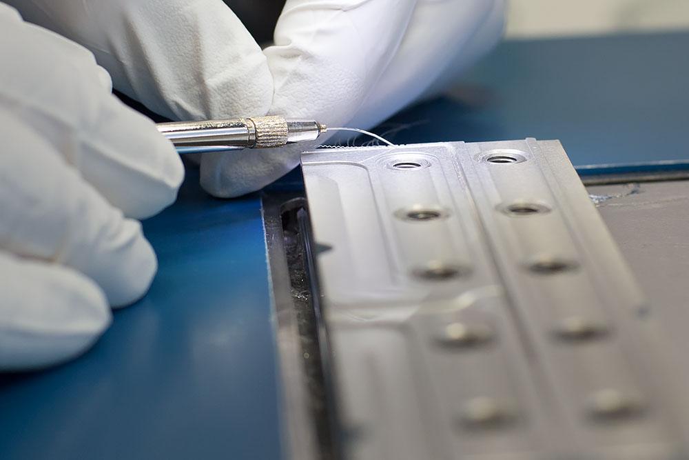 Cum se fabrica implantul cohlear MED-EL Matrice